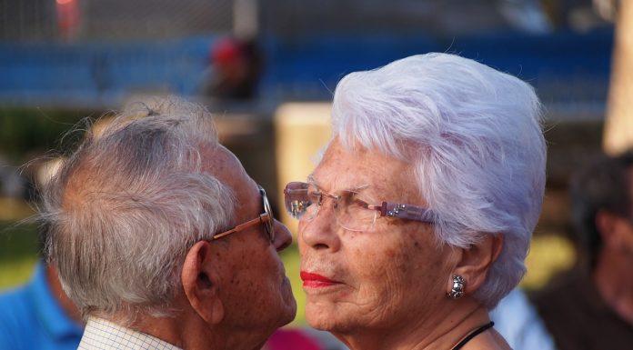personnes âgées danse